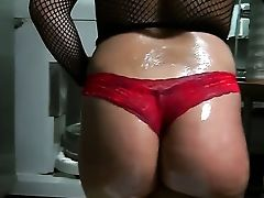 Dark-haired Senora Jmac With Bubbly Slave And Clean Cunt And Horny Dude Have A Lot Of Joy In This Oral Job Act