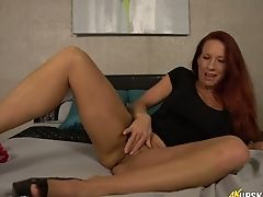All Alone Awesome Crimson Haired Cougar Faye Rampton Flashes Her Booty And Twat