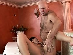 Nubile Hussy With Big Slave Likes Another Nice Popshot Session